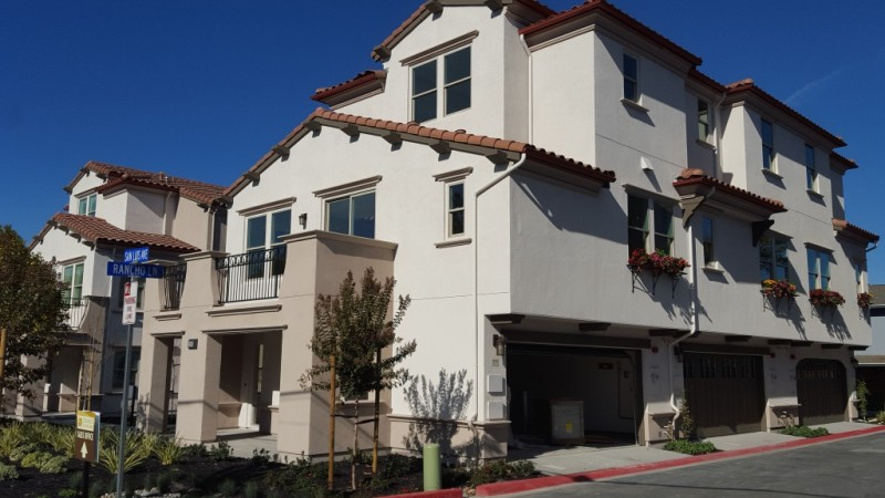 Oro Loma Mountain View Condo for Sale